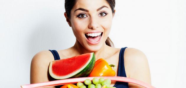 ما هي الفواكه التي تعطي نضارة للبشرة