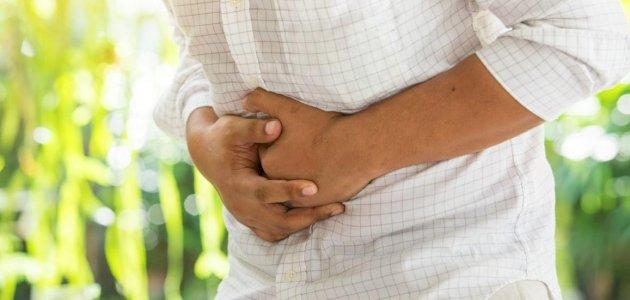 هل يوجد علاج لتشنج المعدة بالأعشاب؟ وما رأي العلم؟