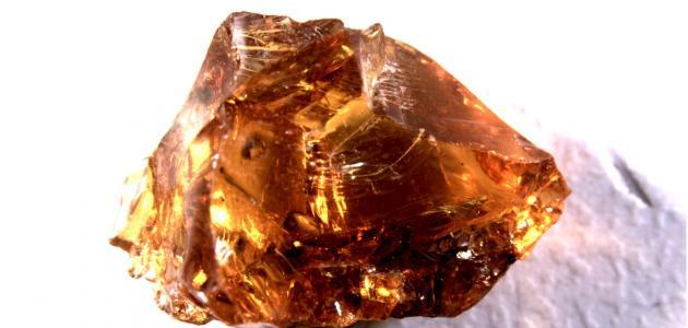 معلومات عن حجر الكهرمان