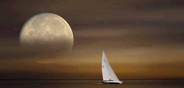 موضوع تعبير عن القمر