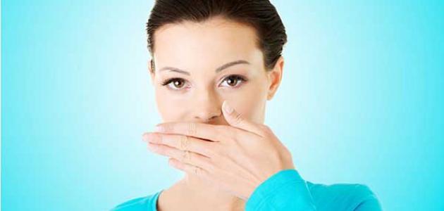 أسباب كثرة اللعاب في الفم أثناء الكلام
