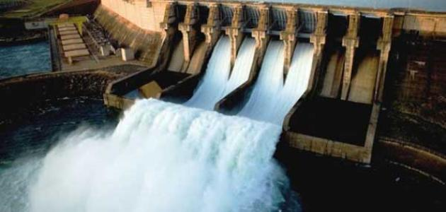 كيفية توليد الطاقة الكهربائية من الماء