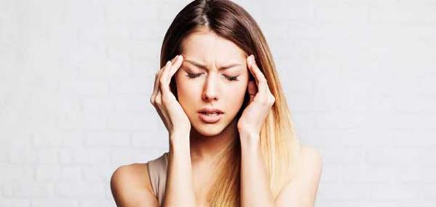 أعراض الجيوب الأنفية على الرأس
