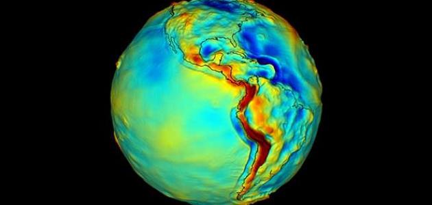معلومات عن قوة جاذبية الكرة الأرضية