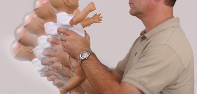 أعراض متلازمة هز الطفل الرضيع
