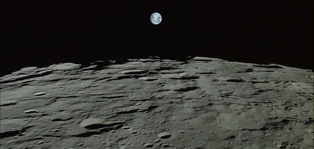 طبيعة الحياة على سطح القمر