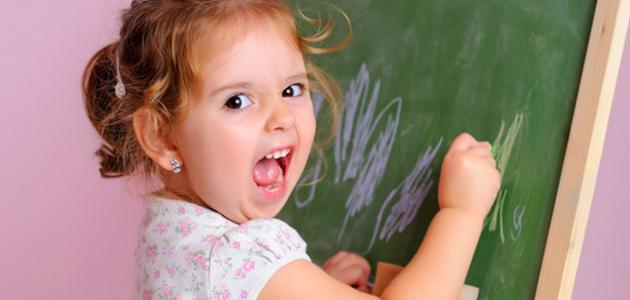 سلوكيات الأطفال في عمر السنتين وتفسيراتها