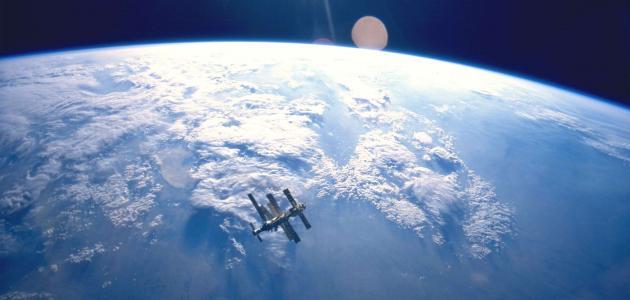 موضوع تعبير عن الفضاء للصف الرابع الابتدائي