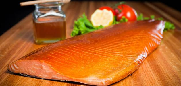 هل يضر أكل السمك مع العسل