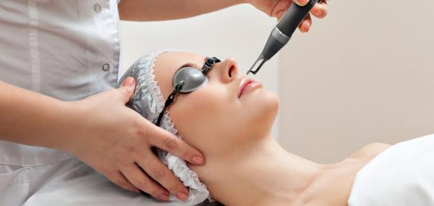 علاج مسامات الوجه الواسعة بالليزر