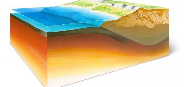 طبقات القشرة الأرضية
