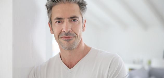 أسباب مراهقة الرجل بعد سن الخمسين