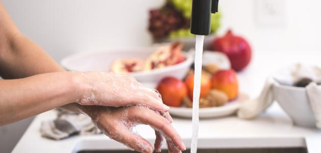 الطريقة الصحيحة لتعقيم اليدين
