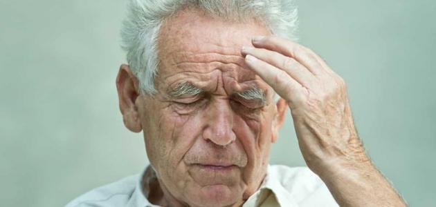 هل هناك علاقة بين الكذب عند كبار السن والزهايمر