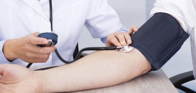 الضغط الانقباضي: الطبيعي، المرتفع، المنخفض، الأعراض، الأسباب، والعلاج