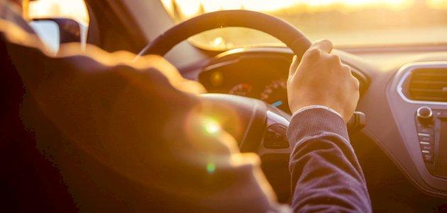 حكم الصلاة داخل السيارة