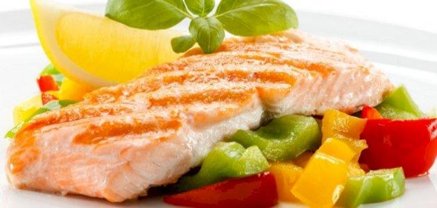 هل من توصيات لنمط غذائي وحياتي بعد إصلاح كسر العظم؟