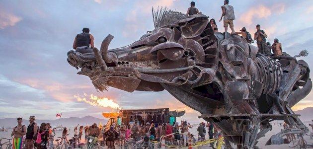 مهرجان الرجل المحترق: الزمان والمكان والفعاليات