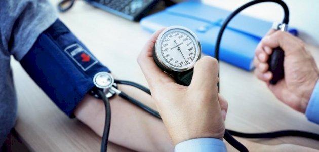 ماذا يحدث لجسمك وأعضائه عند ارتفاع ضغط الدم؟ متى يصبح الأمر خطيرًا؟