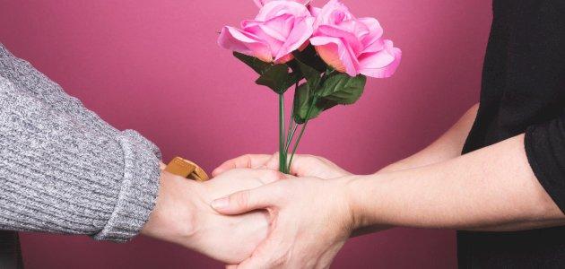 خرافات عن الحب: هل يُعقل أن يصدق عاقل هذه الخرافات؟