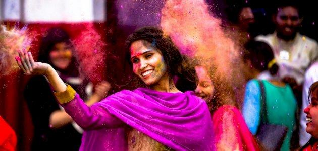 عيد الألوان في الهند: الطقوس والفعاليات والتاريخ