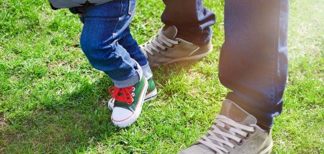 نمرة حذاء الطفل: كيف تحول الطول إلى النمرة الصحيحة وبالوحدات الدولية