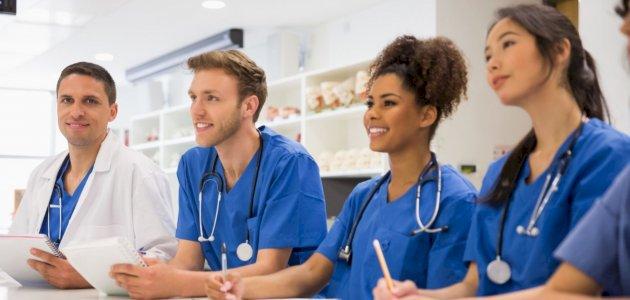دبلوم في أساسيات تمريض البالغين: تعريفها، أهميتها، مجالاتها، تكلفتها