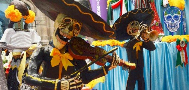 مهرجان يوم الموتى: الزمان والمكان والفعاليات
