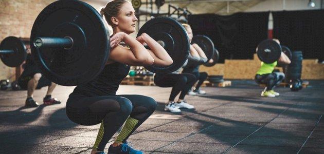 هل تؤثر رياضة رفع الأثقال على النساء سلب ا سطور