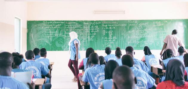التعليم ثنائي اللغة