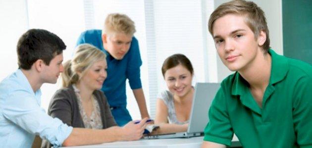 التطور الأخلاقي والمعرفي عند المراهق