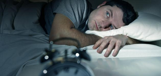 النوم المتقطع في رمضان: أسبابه وهل يضر بالجسم؟