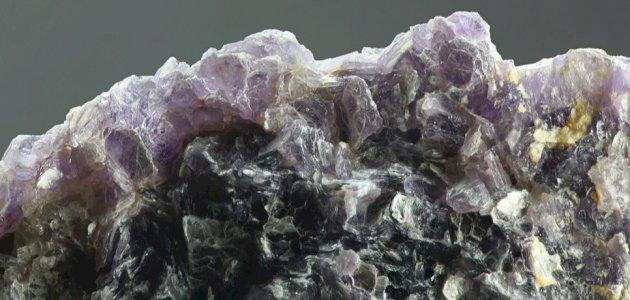 معلومات عن عنصر الليثيوم: وهل هو أغلى من الذهب؟