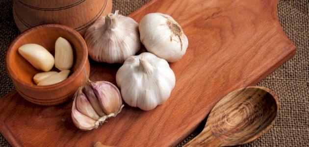 أفضل أنواع الثوم المطحون: كيف تختارين الأنسب لأكلاتك؟