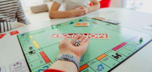 5 ألعاب عائلية ممتعة في البيت